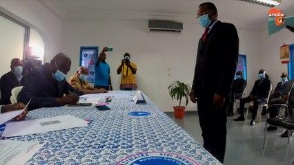 Pascal Affi dépose ses dossiers de candidature à la candidature du FPI