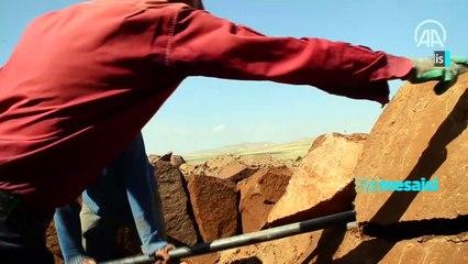 Ahlat'ta taş işçilerinin kavurucu sıcakta zorlu mesaisi