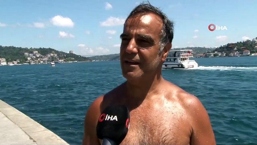 İstanbul'da Kalan Vatandaşlar Denize Girerek Serinliyor