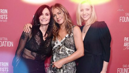 Jennifer Aniston, Lisa Kudrow, and Courteney Cox Are Helping You Register Your Friends to