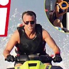 Emmanuel Macron Fait Du Jet Ski Torse Nu