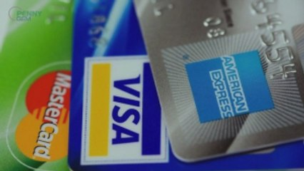 When to Go with Your Credit Card Over a Debit Card