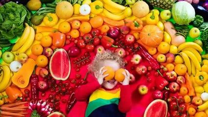 Hacer que los bebés amen las frutas de verano