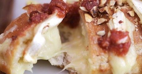 La baguette au camembert et à la confiture, la recette idéale pour fêter l'arrivée des premières figues