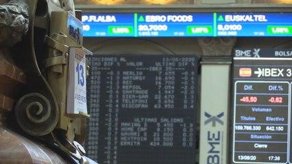 El Ibex 35 cae un 0,62 % después de tres sesiones al alza