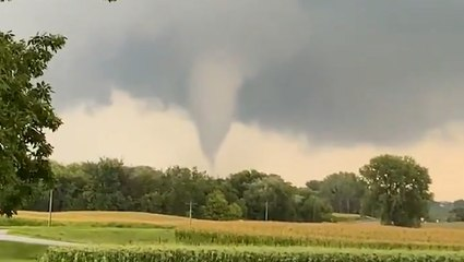 Funnel cloud looms in Minnesota