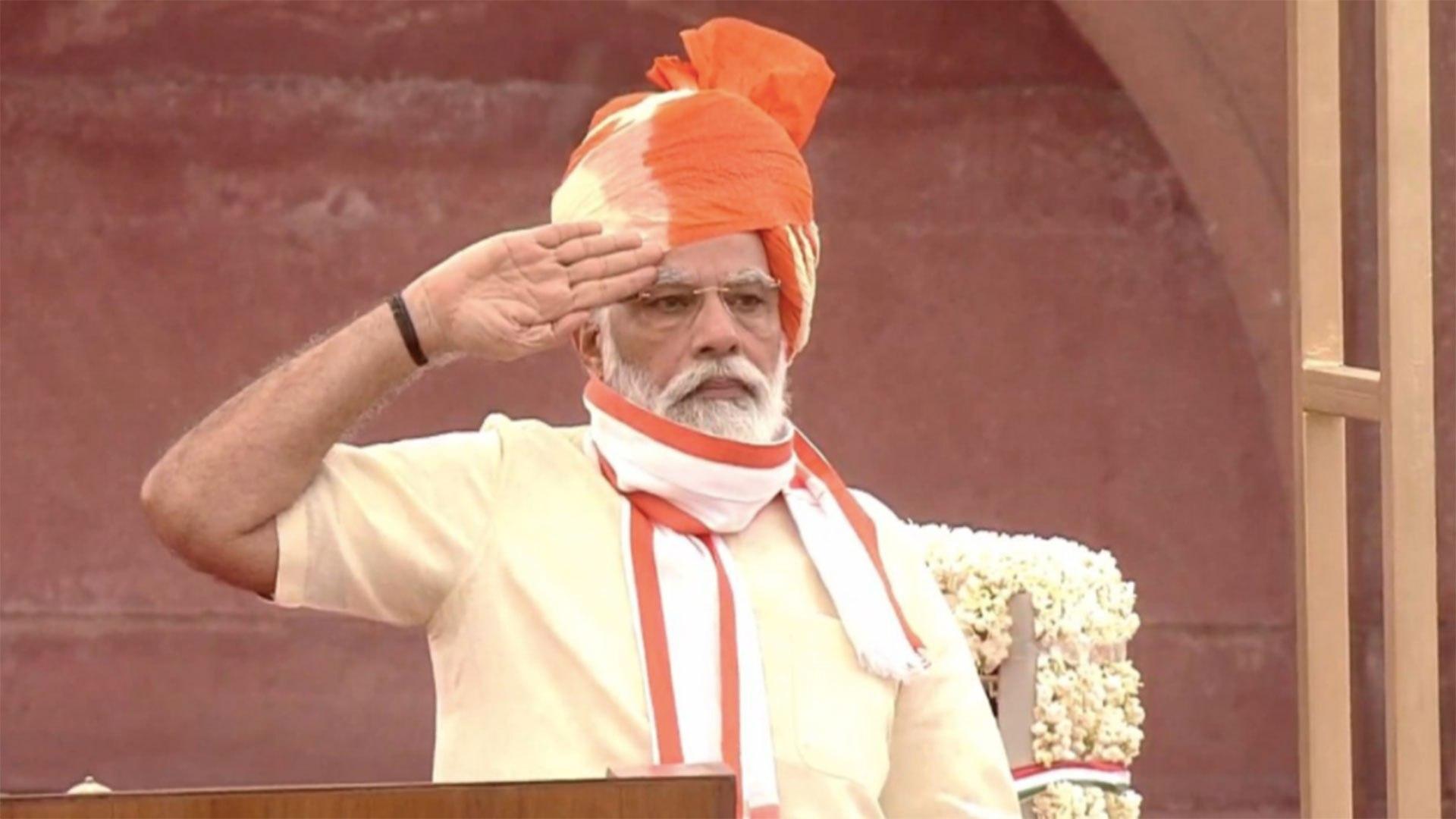 PM Modi pays tribute to corona warriors of India