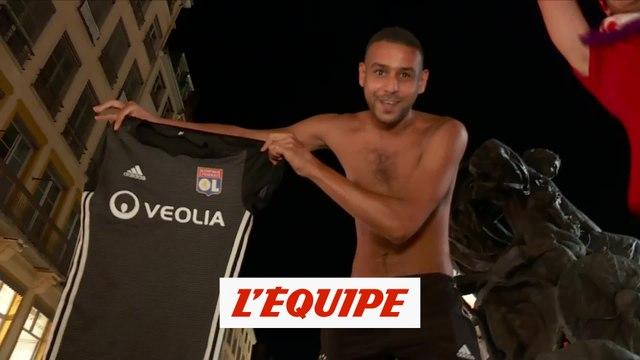 La joie des supporters à Lyon après la victoire contre City - Foot - C1 - OL