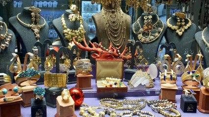 Ế ẩm, nhiều cửa hàng vàng ở Ấn Độ đóng cửa | VTC