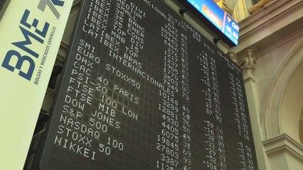 El Ibex 35 pierde un 0,66 % y termina en los 7.043 puntos