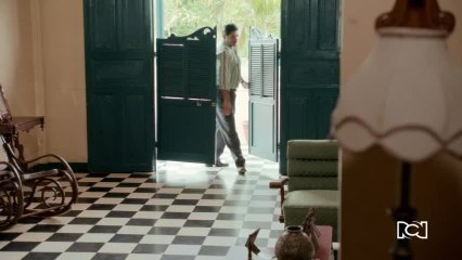 Capítulo 22 de septiembre - Delfina fue espantada por los cuervos de la casa abandonada