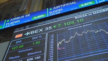 El Ibex 35 gana un 1,82 % y recupera el nivel de los 7.100 puntos