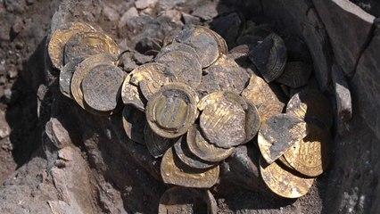 Israël : des ados découvrent un trésor du IXe siècle constitué de 425 pièces d'or