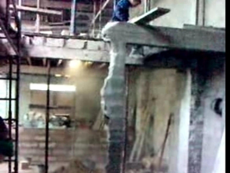 Casser Un Escalier Beton demolition d'un escalier beton par hamdi l' hero - vidéo