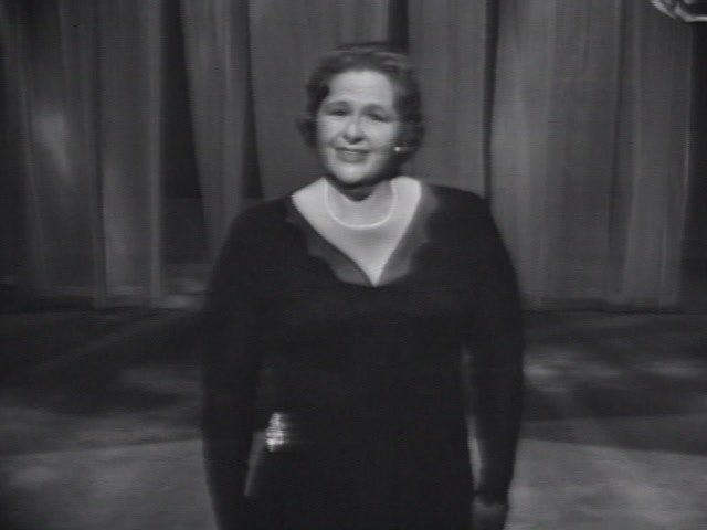 Kate Smith - Love Is A Many-Splendored Thing