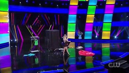 La magicienne Léa Kyle change de vêtements dans Fool Us