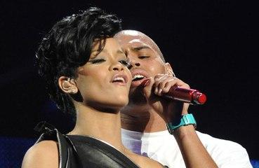 Rihanna rivela in che rapporti è oggi con Chris Brown