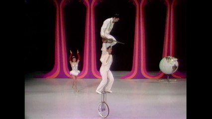 The  Goetchis - Bicycle Act With Violin