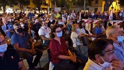 Andria: Nino Marmo riempie la piazza, 5 le liste civiche a sostegno della sua candidatura
