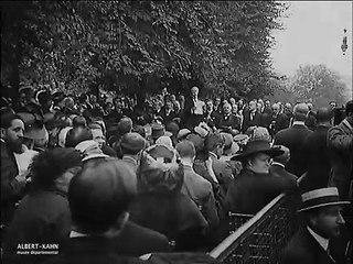 Inauguration du monument au Génie latin au Palais Royal, Paris