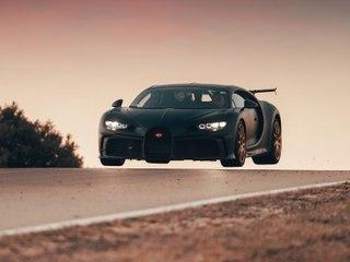 La Bugatti Chiron Pur Sport (2020) en action sur le circuit de Nardo
