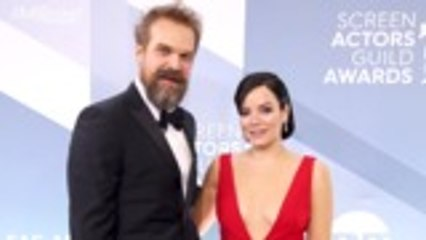 David Harbour and Lily Allen Get Married in Las Vegas | THR News