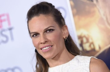 """Hilary Swank Sued the SAG Health Plan for Not Covering """"Malignant Ovarian Cysts"""" Removal"""