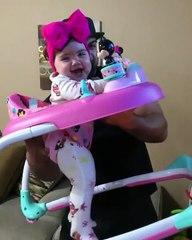 Minik kızına Roller Coaster heyacanı yaşatan baba