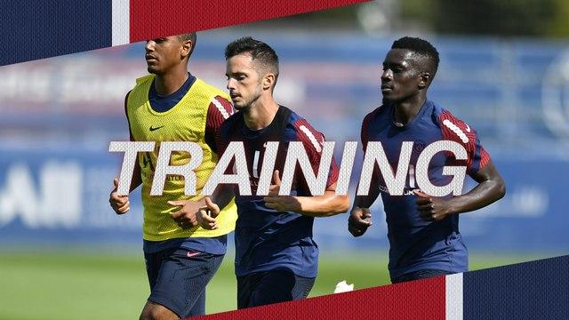 Replay : L'entraînement avant Paris Saint-Germain v Olympique de Marseille