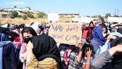 شاهد: مهاجرو ليسبوس يطالبون السلطات اليونانية السماح لهم بمغادرة الجزيرة