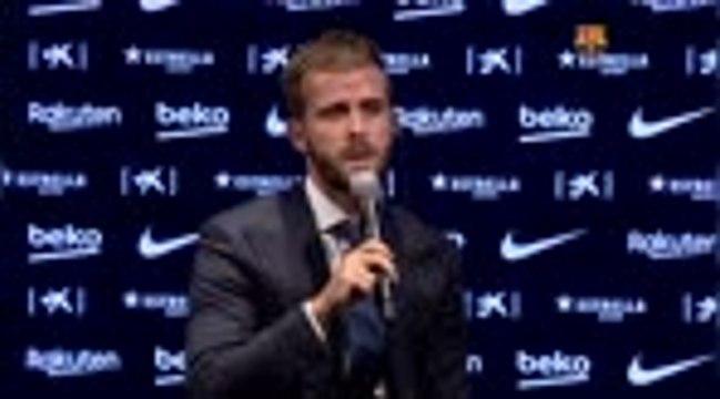 """Barça - Pjanic : """"Je n'aurais jamais imaginé Messi avec un autre maillot"""""""