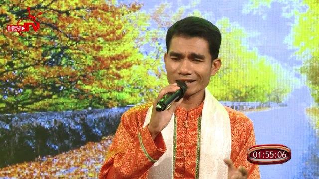 Phú Minh Tuân - từ chàng thợ may miền biển đến trở thành ca sĩ lên sóng truyền hình.