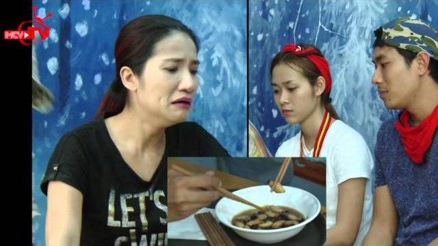 Sao Việt hoảng sợ khi ăn sống đuông dừa.