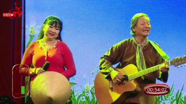 Cha mẹ Tâm Đoan lần đầu trình diễn trên sân khấu Việt Nam.