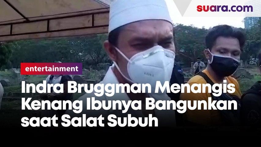 Indra Bruggman Menangis Kenang Ibunya saat Bangunkan Salat Subuh