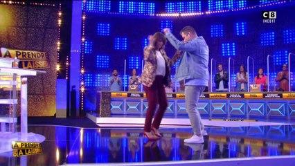 """Pascal danse avec Valérie Bénaïm dans """"À prendre ou à laisser"""""""