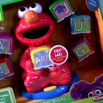 Elmo's Find & Learn Alphabet Blocks Playset Lets Sing the ABC with Elmo by Sesame Street