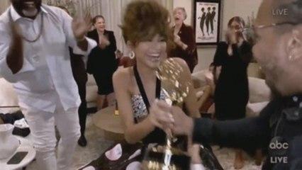 """""""Schitt's Creek"""" hace historia en los Emmy tras vencer en todos los apartados de comedia"""