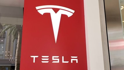 Tesla Shares Plummet $50-Billion