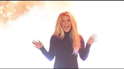 VIDEO. Britney Spears fait du cheval à Hawaï… Billie Eilish fabrique des poupées…