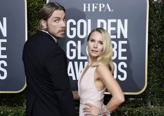 """Dax Shepard """"Outs"""" Kristen Bell With a Totally Awkward Photo"""