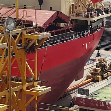 Ship Launch - Pushing 20 000 Tons Ship with Bulldozers