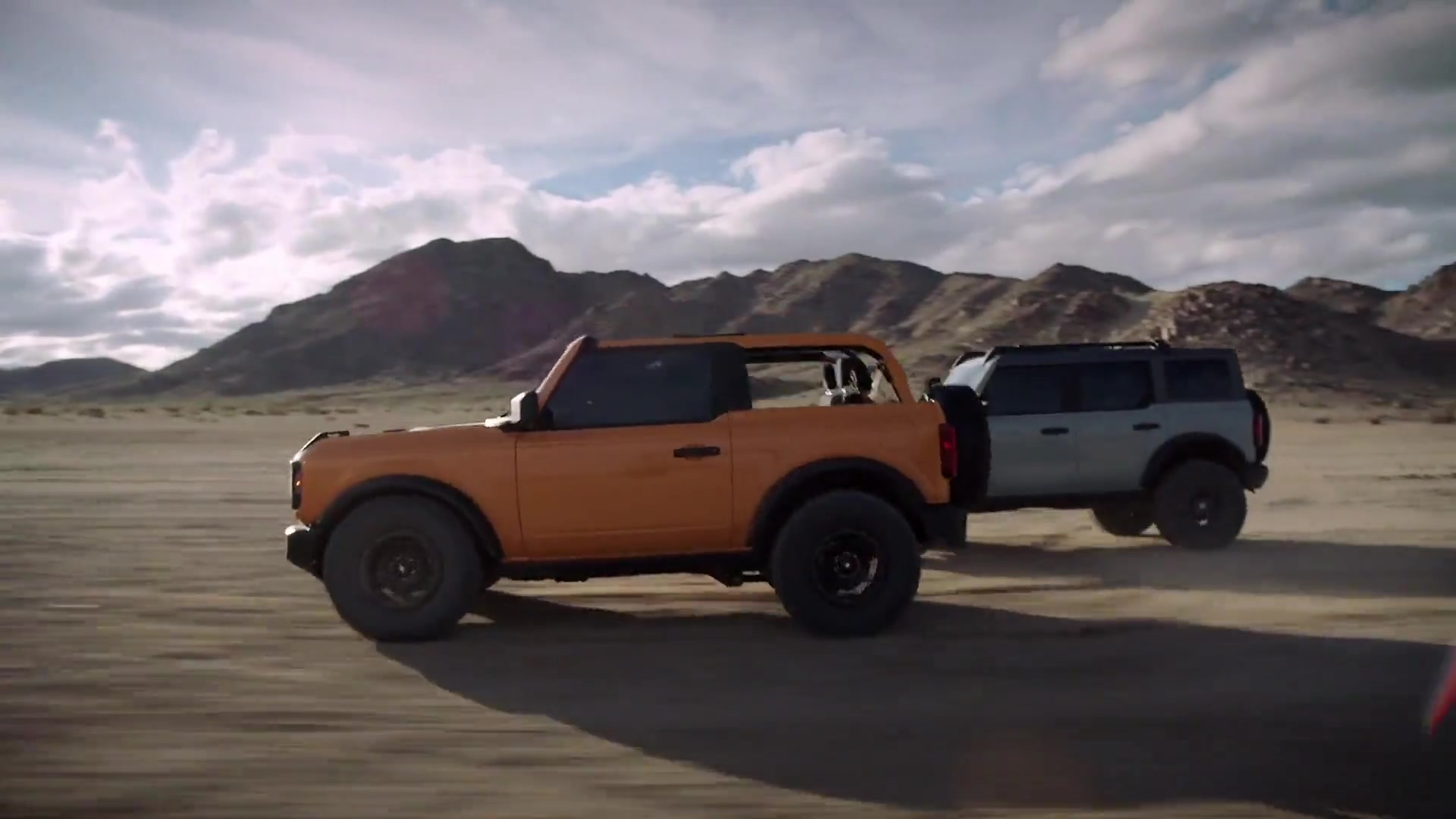 All-new 2021 Ford Bronco two-door and four-door Driving Video