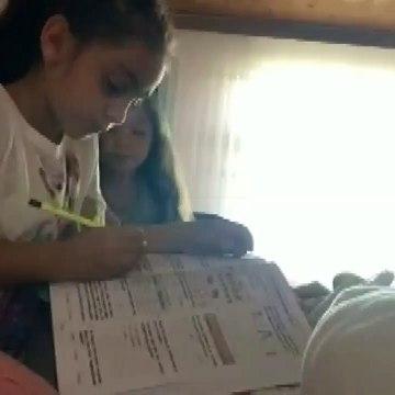 İki kardeşin depremde yaşadığı korku kamerada | Video
