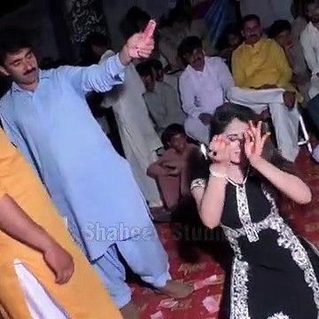 Mehak_Malik_New_Dance_office_Video_2020_#MehakMalikDance(360p)