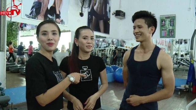 Miko Lan Trinh và hành trình tìm hiểu những anh chàng cơ bắp.