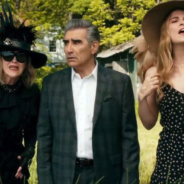 Schitt's Creek - Every DAVID From Alexis and Moira From Every Season