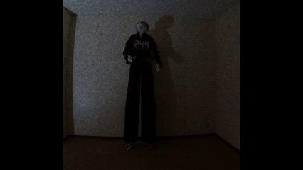 "New Minimal techno music ""Beast 獣人 1 04m04s"" Very short Science Fiction music video 362"