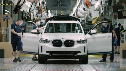 بدء إنتاج سيارة BMW iX3 الكهربائية بالكامل
