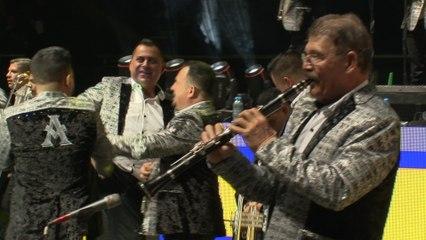 La Arrolladora Banda El Limón De René Camacho - La Suata